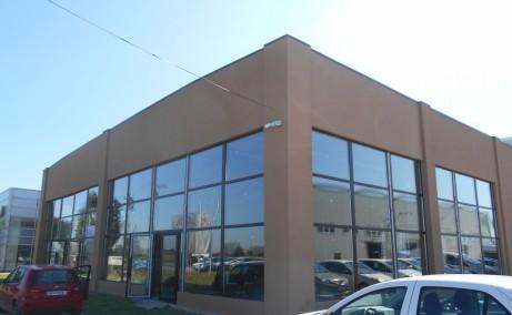 Showroom de inchiriat inchiriere proprietati industriale Timisoara sud vedere ansamblu fatada